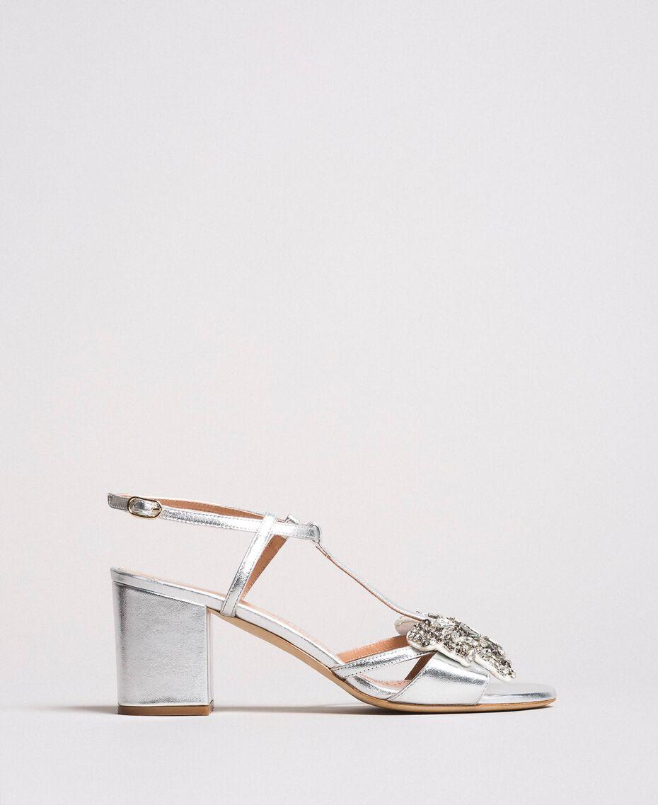 Leder-Sandalen mit Schmuck-Schmetterling Silber Frau 191TCP108-03