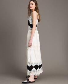 Robe longue en georgette agrémentée de dentelle Bicolore Blanc Neige/ Noir Femme 191TT2100-03
