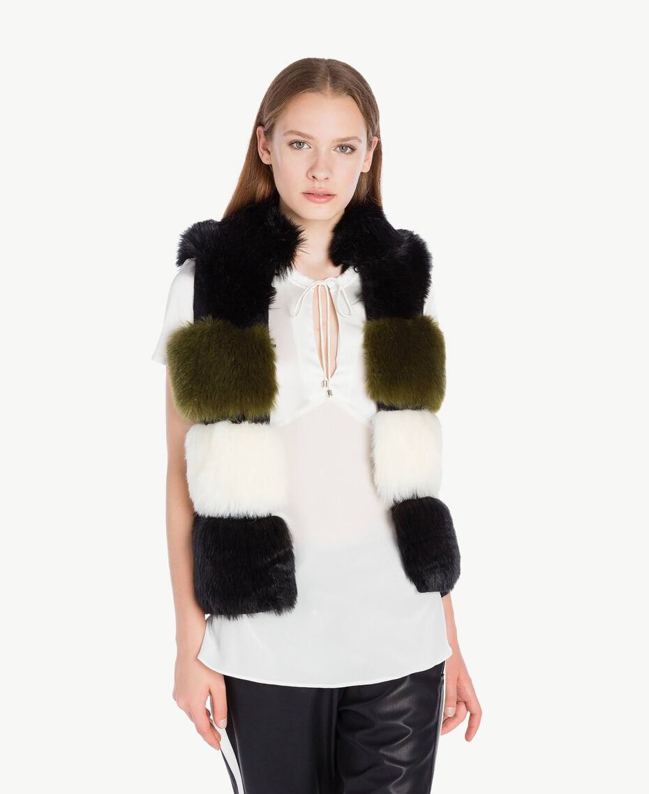 Gilet fausse fourrure Multicolore Noir / Blanc Optique / Vert Sauge Femelle TA7291-02