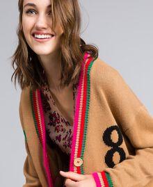 Maxicardigan aus Wollmischung mit Intarsien Karamell Frau YA83AN-04