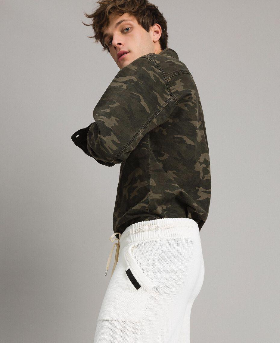 Baumwoll-Hemd mit Camouflage-Aufdruck Motiv Dunkel Camouflage Mann 191UT2020-02