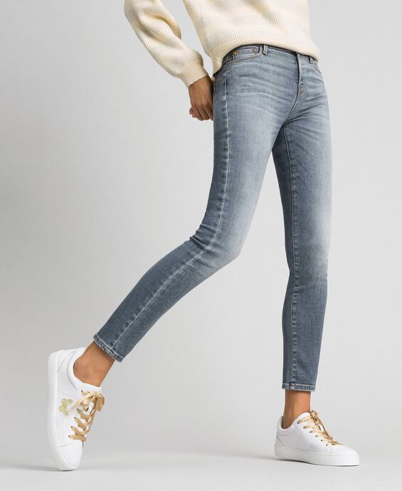 Push up jeans with five pockets