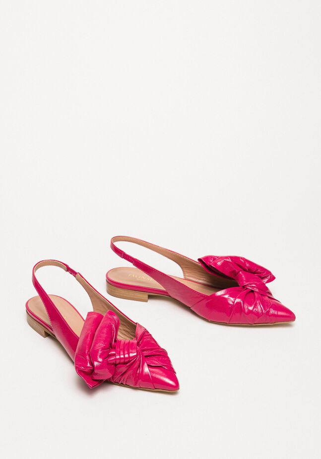 Patent leather ballerina pumps with bow