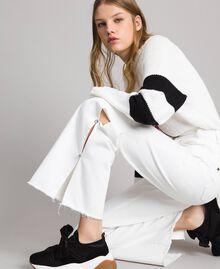 Wide-Leg-Jeans mit Schlitzen White Sahne Frau 191MP2500-04