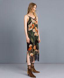"""Kleid im Unterkleidstil aus bedrucktem Georgette Print """"Schwarze Maxitulpe"""" Frau TA828U-02"""