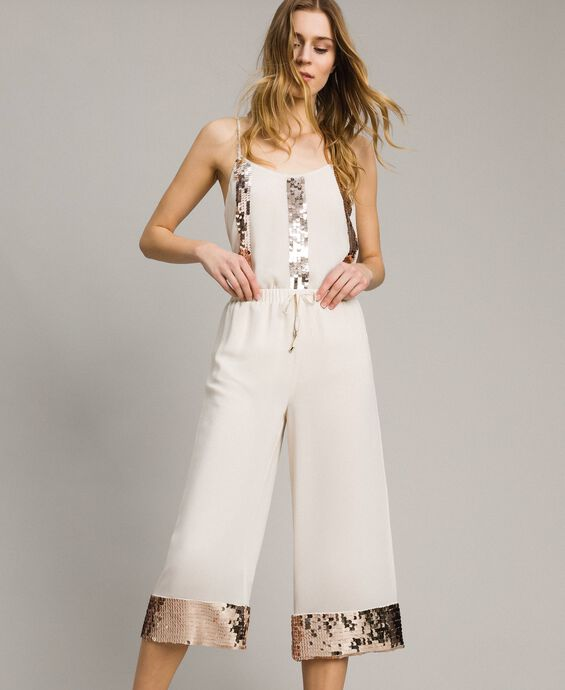 Cropped trousers with sequins