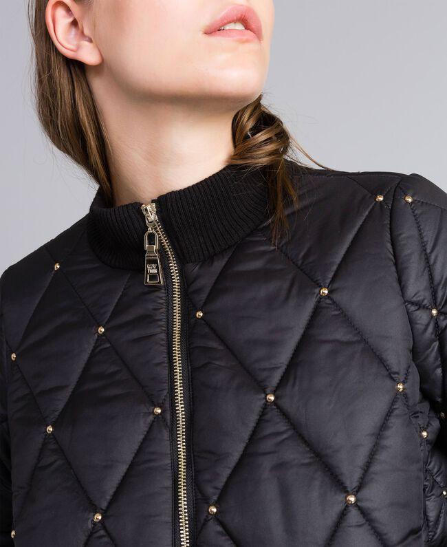 designer fashion 0f01a 456c3 Piumino corto a bomber con borchie Donna, Nero | TWINSET Milano