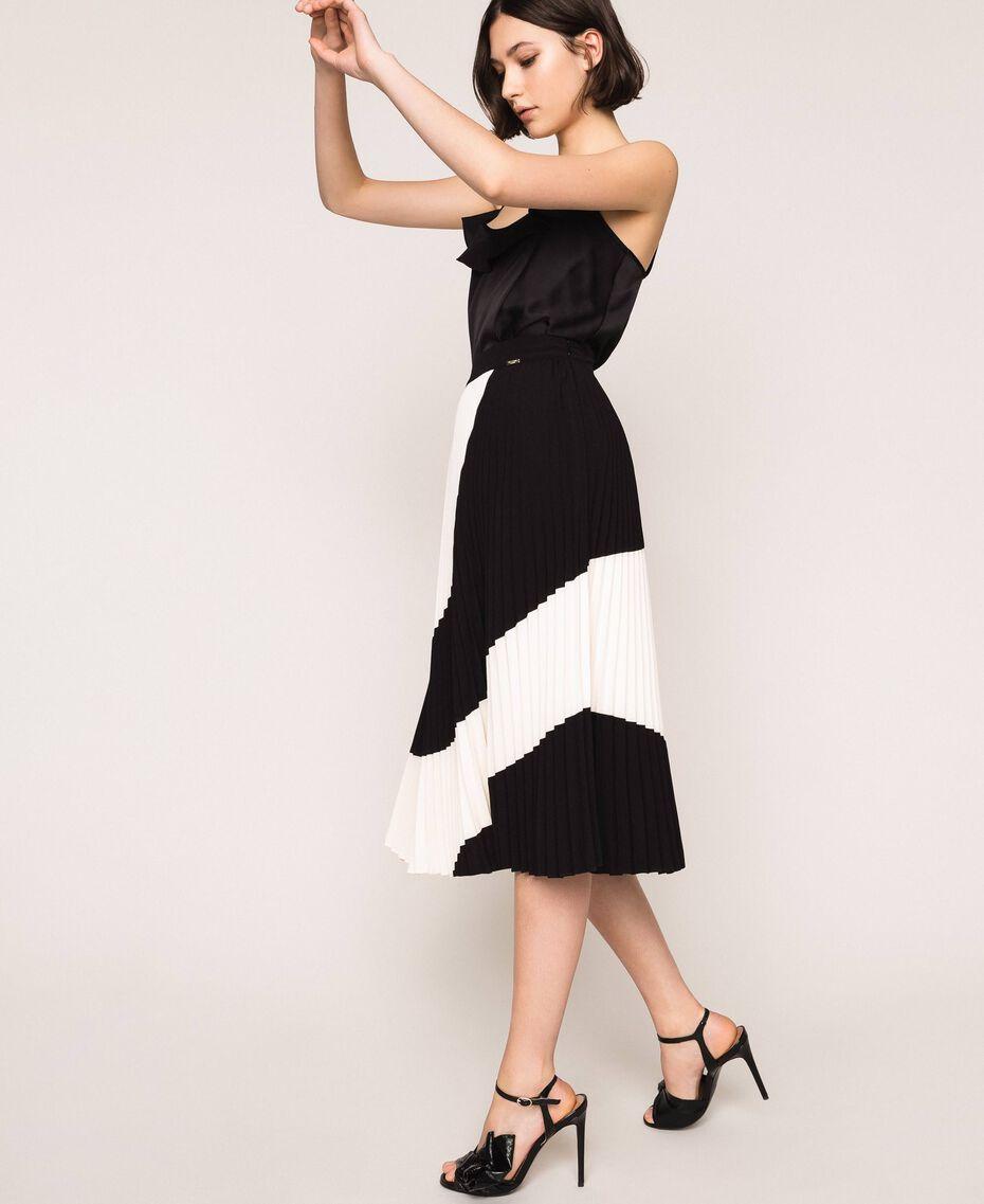 "Pleated crêpe de Chine midi skirt Two-tone ""Silk"" White / Black Woman 201ST2013-03"