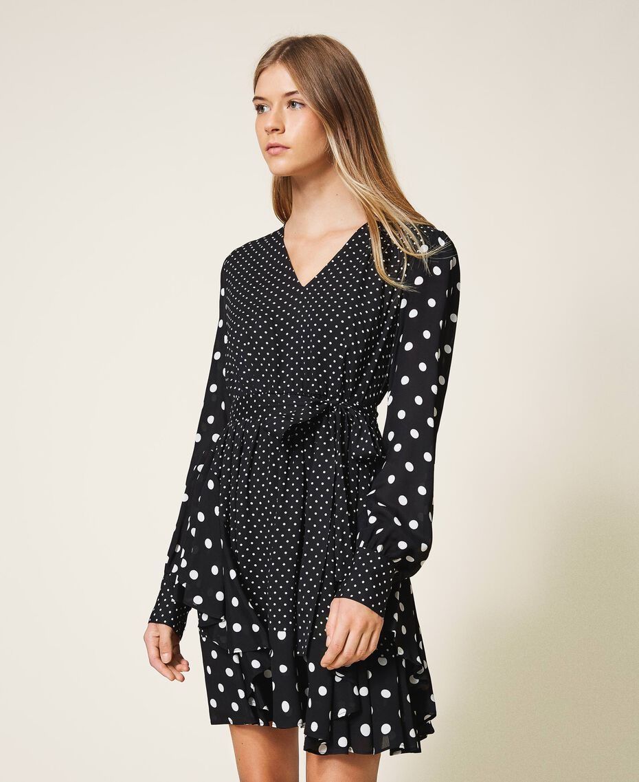 "Polka dot crêpe de Chine dress Black / ""Snow"" White Polka Dot Patch Woman 202TT2311-01"