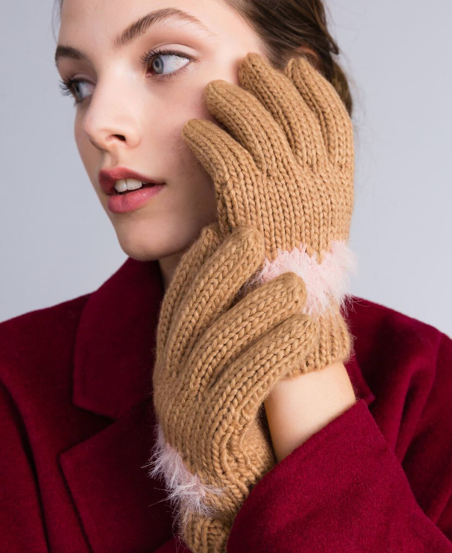 Knitted gloves with heart Bicolour Light Pink / Camel Woman AA8P5C-0S