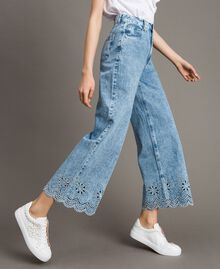 Weit geschnittene Jeans mit Broderie-Anglaise Denimblau Frau 191MP2010-02
