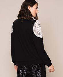 Sweat incrusté de dentelle et brodé Noir Femme 201TP246G-03