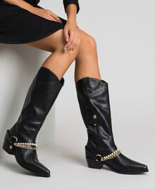 Texas boots with straps, chain and pearls Black Woman 192MCP014-0S