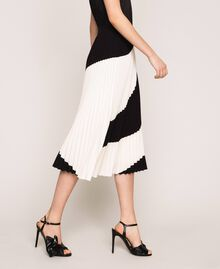 "Pleated crêpe de Chine midi skirt Two-tone ""Silk"" White / Black Woman 201ST2013-01"