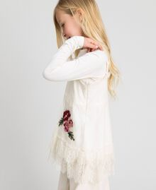 Round neck T-shirt and rose lace top Pale Cream Child 192GJ2671-02