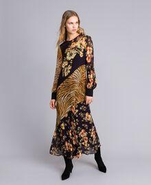Robe longue avec mélange d'imprimés Imprimé Mélangé Fleurs & Tigre Femme TA825B-04