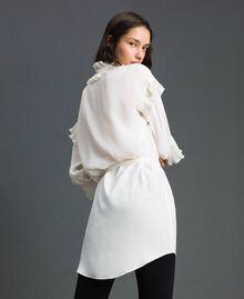 Kleid aus Crêpe de Chine aus Seidenmischung Weiß Schnee Frau 192TP2101-04