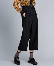 Cropped-Hose aus Bi-Stretch-Wolle Schwarz Frau TA8271-02