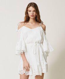 Robe Meknes épaules dénudées en mousseline avec broderie anglaise Off White Femme 211TT2701-02