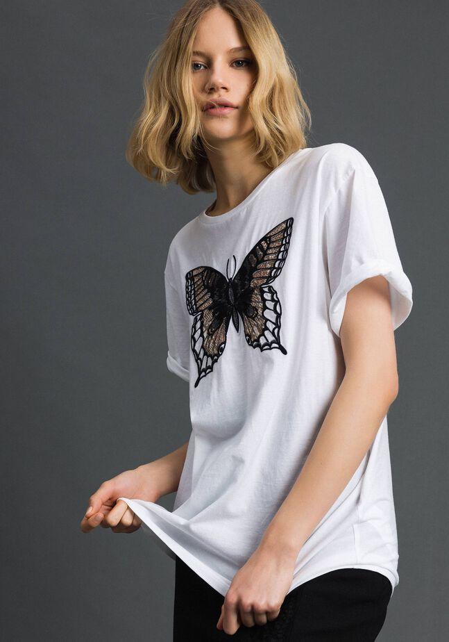 T-shirt avec papillon brodé