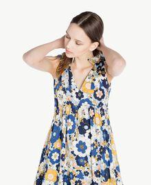 Langes Kleid mit Print Flacher Blumenprint Placid Blue Frau SS82PE-04