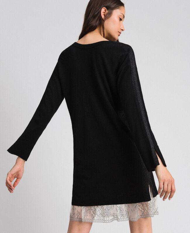 Kleid mit Lurexstreifen und Unterkleid Schwarz Frau 192MP3100-04