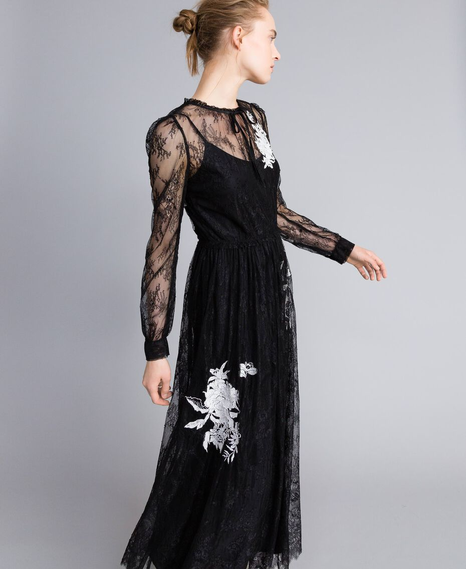 Long Valencienne lace dress Black Woman PA824Q-02