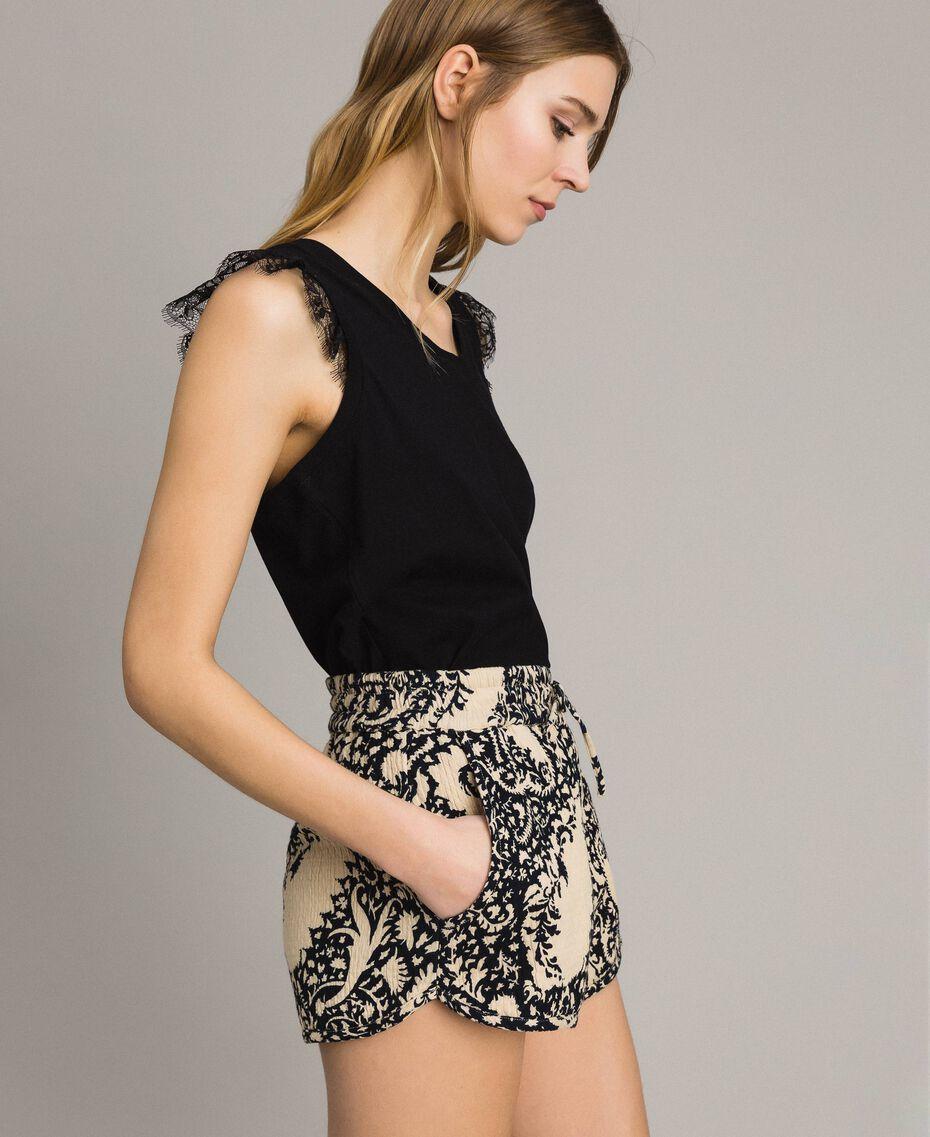 Matelassé-Shorts aus Baumwolle Gestempeltes Motiv Frau 191TT2192-02