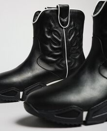 Hohe Cowboy-Sneakers mit Stickereien Schwarz Frau 192TCT114-04