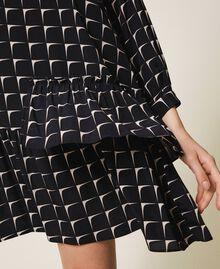 Robe en crêpe de Chine imprimé avec volant Imprimé Optique Noir / Beige «Nude» Femme 202ST2503-04