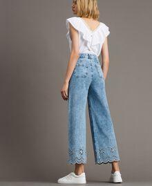 Weit geschnittene Jeans mit Broderie-Anglaise Denimblau Frau 191MP2010-03