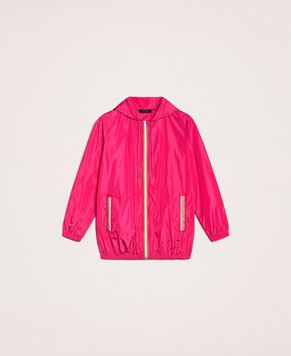 Rainproof jacket with embroidery