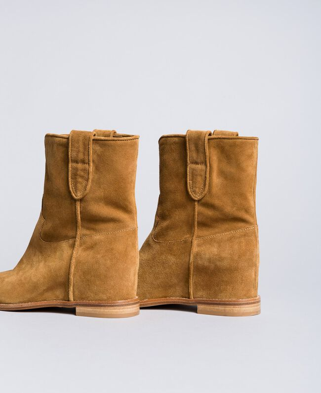 Suede ankle boots with wedge Cookie Beige Woman CA8TCC-01