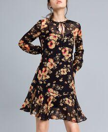 """Kleid aus Georgette mit Blumenprint Alloverprint """"Bouquet"""" Frau TA825F-01"""