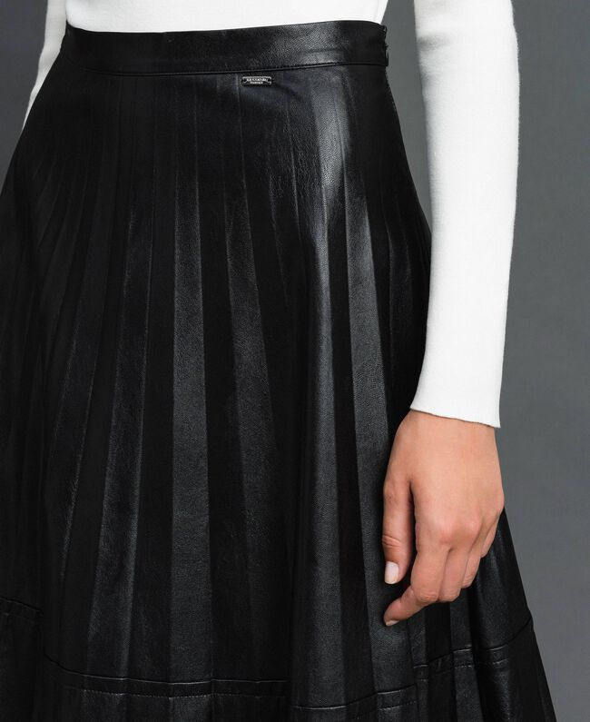Midirock aus plissiertem Lederimitat Schwarz Frau 192ST2015-04