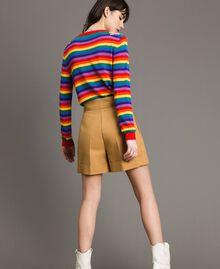 Pullover mit mehrfarbigen Streifen und Blumenapplikationen Regenbogenstreifen Frau 191TP3013-04
