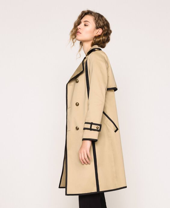 Water repellent trench coat with contrasting trim