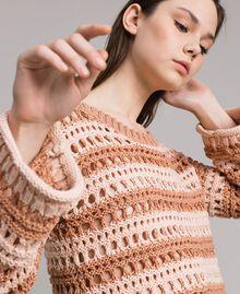 """Pullover mit Durchbruch-Streifenmuster Zweifarbig """"Rose Sand"""" Pink / """"Desert Rose"""" Beige Frau 191MT3130-04"""