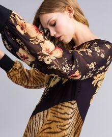 Robe longue avec mélange d'imprimés Imprimé Mélangé Fleurs & Tigre Femme TA825B-05