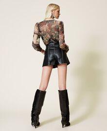 High-Waist-Shorts mit Gürtel Schwarz Frau 212TP2510-04