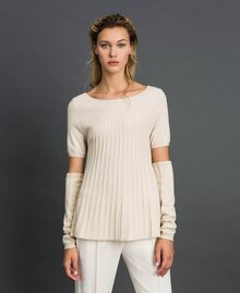 Plissierter Pullover mit Ärmlingen Sahneweiß Frau 192ST3171-01