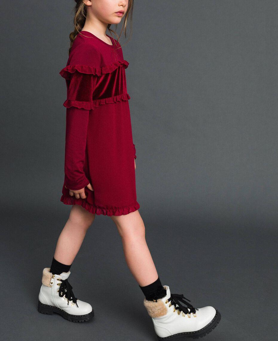 Kleid mit Samteinsatz und Rüschen Ruby Wine Rot Kind 192GJ2463-02