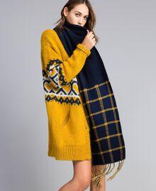 Schal aus Tuch in Jacquardverarbeitung Zweifarbig Goldgelb / Nachtblau Frau RA8T1G-0S