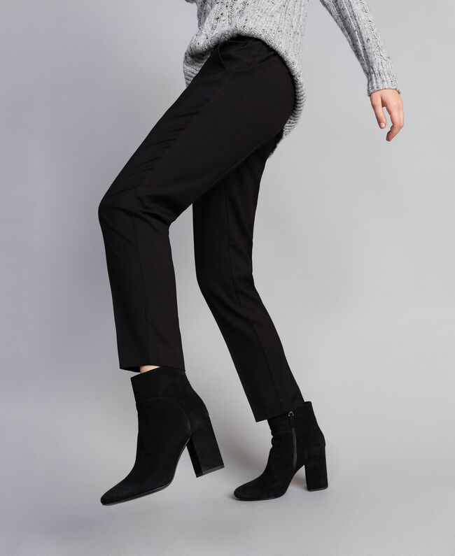 Twill drainpipe trousers Black Woman SA82KC-01
