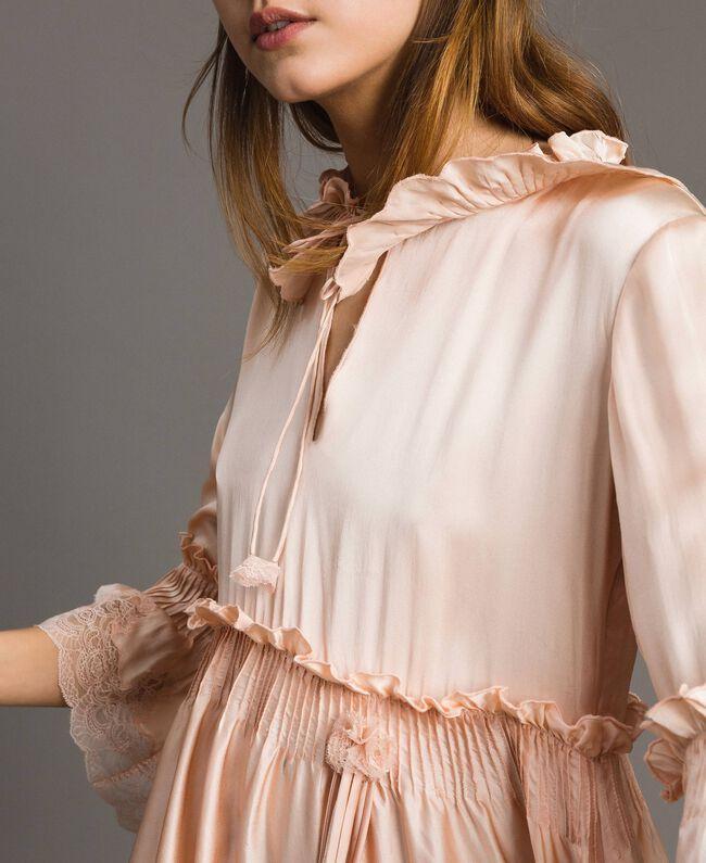 """Robe en satin de soie avec bordures en dentelle Rose """"Sable Rose"""" Femme 191TT2010-04"""