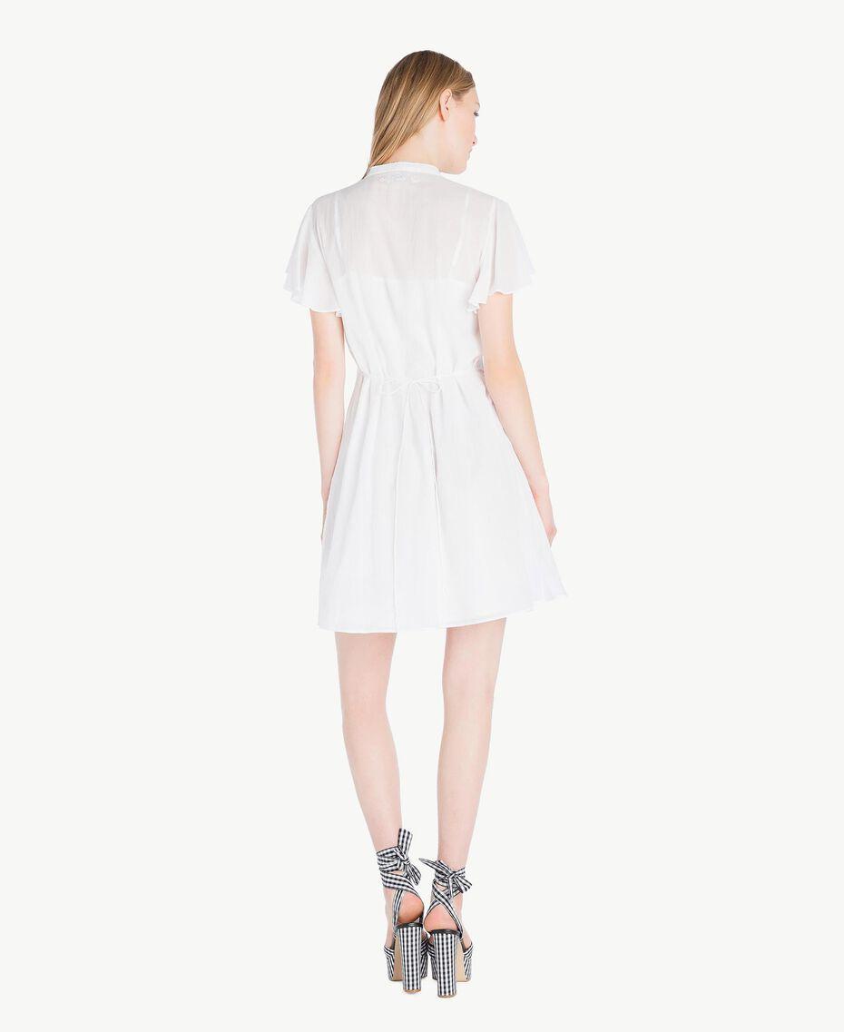 Kleid aus Musselin Mattweiß Frau YS82HN-03