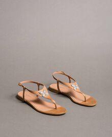 Sandales en cuir avec papillon bijou Beige Nougat Femme 191TCT090-01