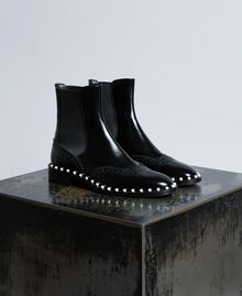Beatle-Boots aus Leder mit Zierperlen Schwarz Frau CA8PKN-01