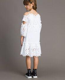 Musselin-Kleid mit Lochstickerei-Verzierung Weiß Kind 191GJ2620-03