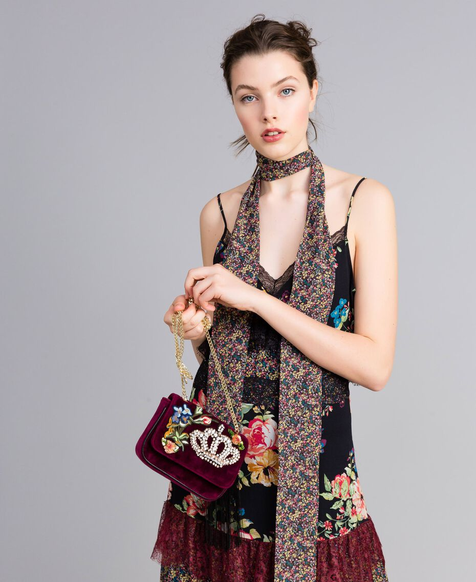 Velvet shoulder bag with embroidery and rhinestones Bordeaux Woman AA8PBN-0S